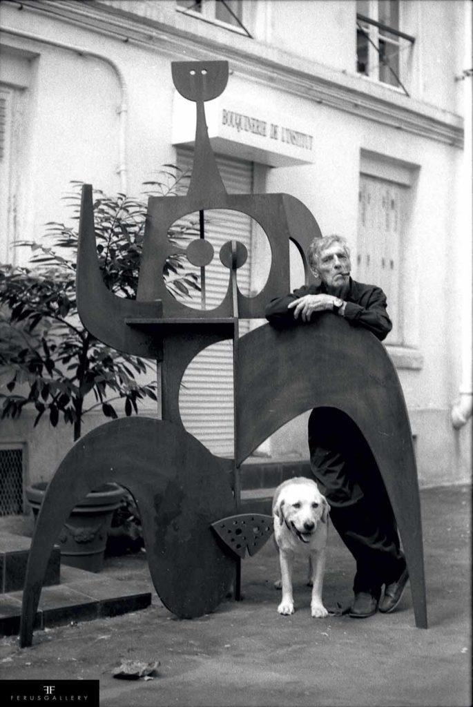 Présentation de la sculpture Marathonienne de Philippe Hiquily