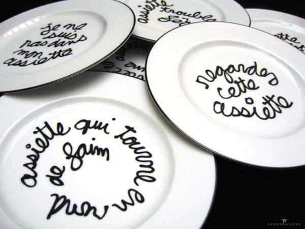 Assiettes d'artistes par Ben Vautier de l'École de Nice
